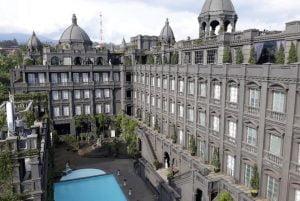 Rekomendasi hotel dengan gaya arsitektur klasikal seperti istana